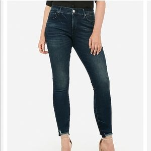 Express Perfect Curves Raw Hem Ankle Skinny Jeans